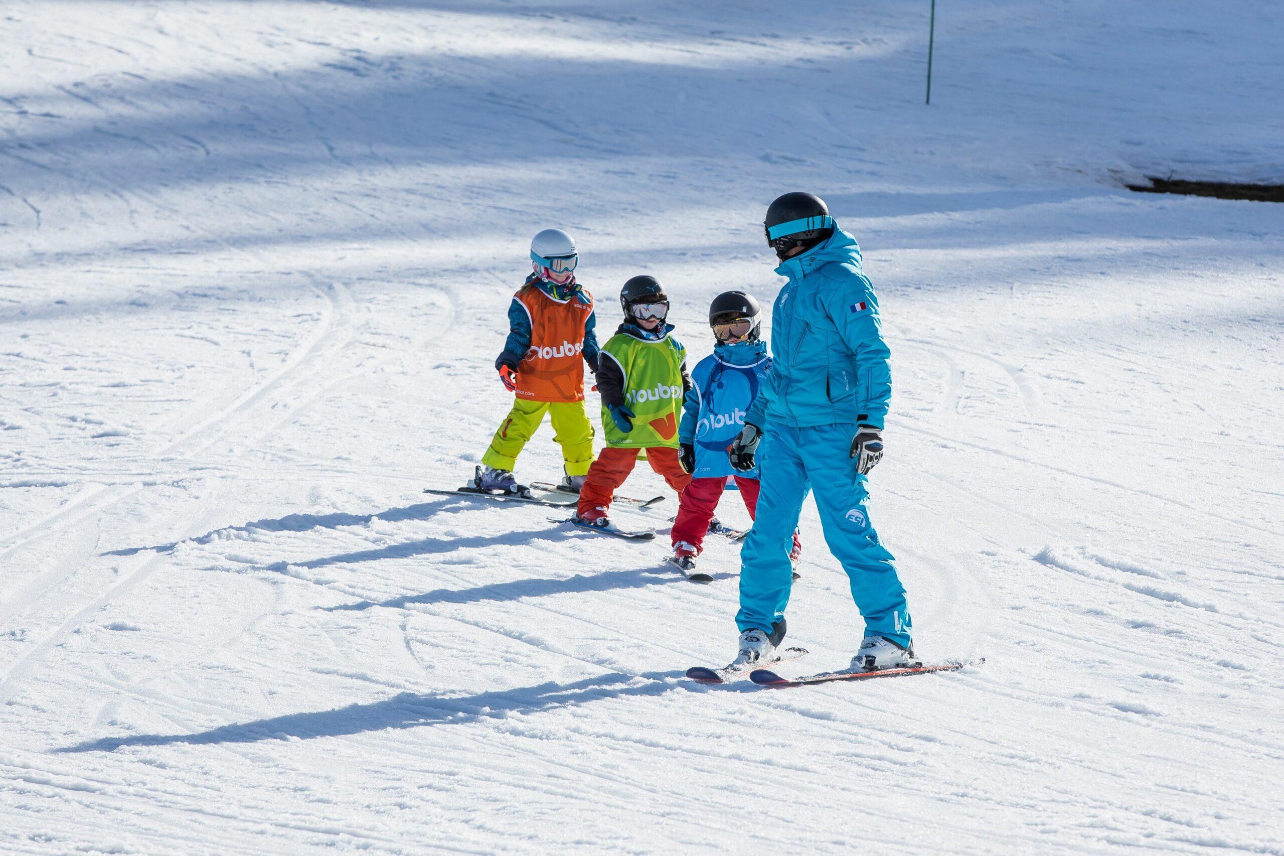 cours de ski pour les débutants enfants de plus de 6 ans