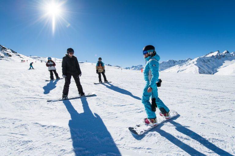 Cours snowboard débutant Montgenèvre ESI Apeak